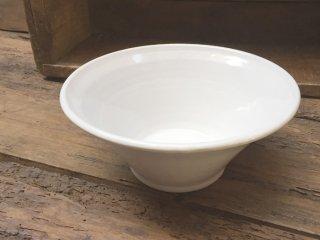ルーマニア トランシルバニアの白い陶器 ボウルLサイズ