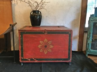 インドの古い彩色の箱