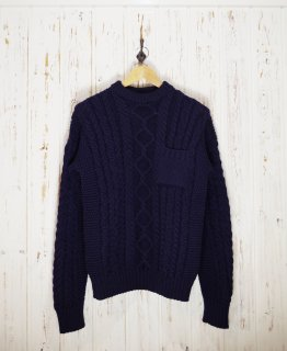 <img class='new_mark_img1' src='https://img.shop-pro.jp/img/new/icons1.gif' style='border:none;display:inline;margin:0px;padding:0px;width:auto;' />GUERNSEY WOOLLENS(ガンジーウーレンズ)   ARAN PATTERN CREW NECK WITH POCKET(アランパターンクルーネックウィズポケット)