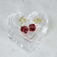 薔薇の蕾イヤリング・レッド(赤いバラ)