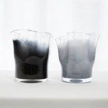 ガラス花器ウェーブ・ブラック+グレイ (h14±xφ13±)