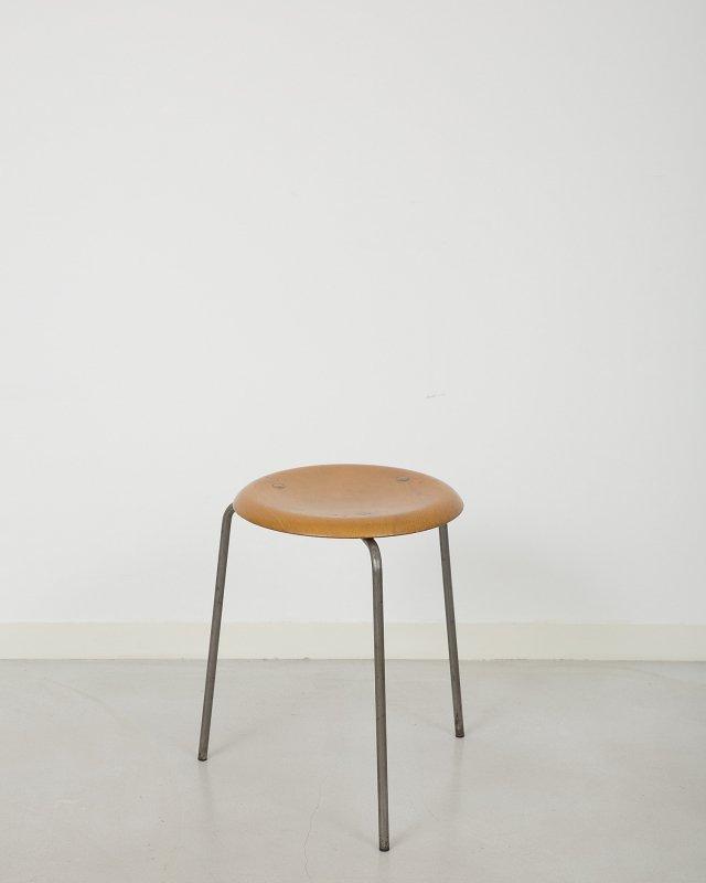 Arne Jacobsen  Dot Stool 3170