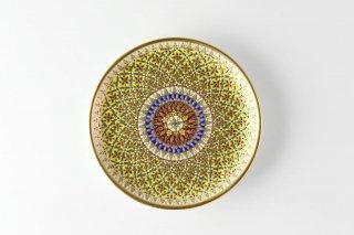 [ベンジャロン焼(タイ)]<br>手描き模様の6寸皿<br>(ふんだんに使われた金彩 花のモチーフ 黄色ベース)