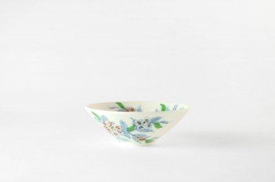 【再入荷】[バッチャン焼(ベトナム)]<br>手塗の花が映える茶碗(アジサイ)