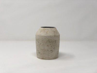 [土の実クラフト]<br>フラワーベース M 花瓶(黒柚に白化粧)