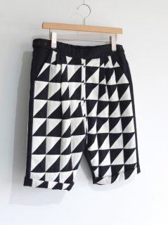 77CIRCA『diagonal patchwork stage costume shorts』40%OFF<img class='new_mark_img2' src='https://img.shop-pro.jp/img/new/icons20.gif' style='border:none;display:inline;margin:0px;padding:0px;width:auto;' />