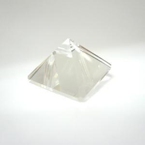水晶(ピラミッド)