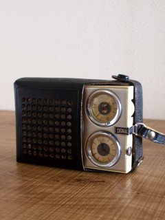 旧ソ連NOVATOR社製ラジオ SIGNAL-601