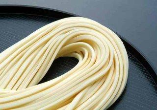 【会員登録でさらにお得!!】絹肌の貴婦人 手延半生うどん 200g 化粧袋