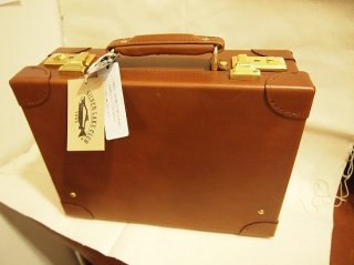 130253 オイルレザー手縫いトランク、チョコ