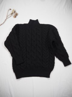 LENO  Big Cable Sweater