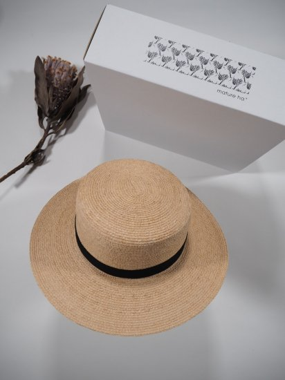 mature ha.  raffia hat MAS20-14 3