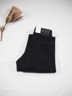 LENO  LOOSE TAPERED JEANS [BLACK]