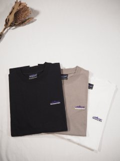 <img class='new_mark_img1' src='https://img.shop-pro.jp/img/new/icons14.gif' style='border:none;display:inline;margin:0px;padding:0px;width:auto;' />THOUSAND MILE  EMBROIDERY LOGO TEE