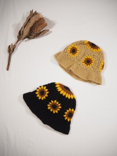 <img class='new_mark_img1' src='https://img.shop-pro.jp/img/new/icons14.gif' style='border:none;display:inline;margin:0px;padding:0px;width:auto;' />Niche.  SUNFLOWER CROCHET HAT