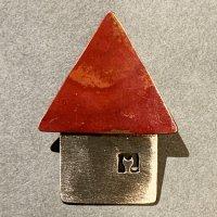アトリエPOPPO ブローチ「赤の家」ネコ