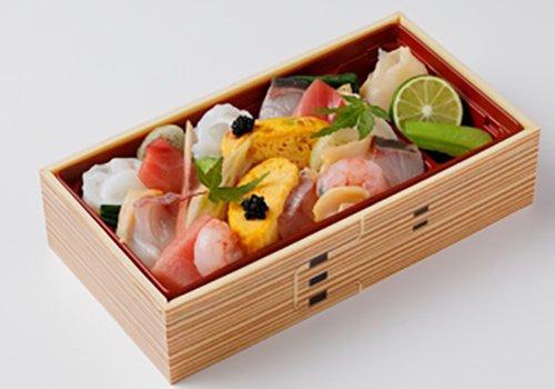 『せん』自慢の魚介三昧の、海鮮ちらし寿司の写真
