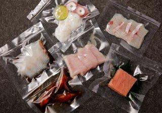 とれたて鮮魚をそのまま真空パックにしたお刺身(各種) 780円〜