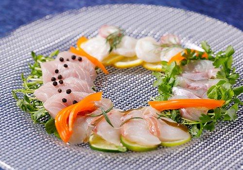 『せん』自慢の魚を特製ソースで楽しむ、カルパッチョセット