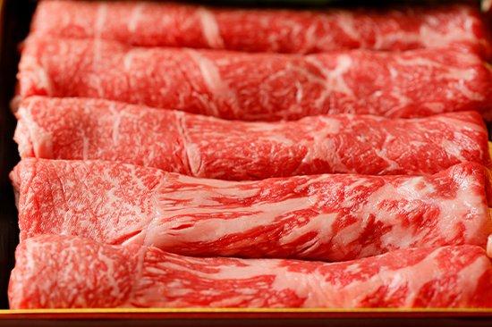 沖縄のブランド牛もとぶ牛サーロインすき焼き・しゃぶしゃぶ用肉の写真