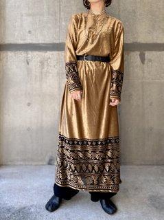【GOLD VELVET MAXI DRESS】