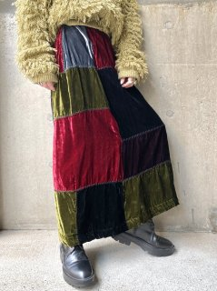 【PATCHWORK VELVET SKIRT】