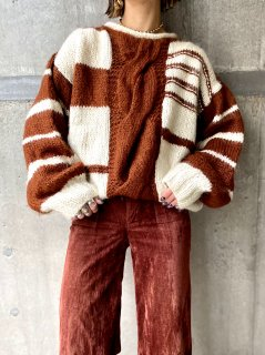 【TWO TONE COLOR KNIT SWEATER】