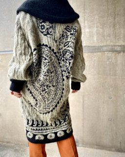 <img class='new_mark_img1' src='https://img.shop-pro.jp/img/new/icons14.gif' style='border:none;display:inline;margin:0px;padding:0px;width:auto;' />【OVERSIZED KNIT CARDIGAN】