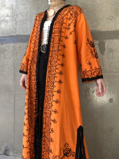 【BRIGHT ORANGE EMBROIDERED GOWN】
