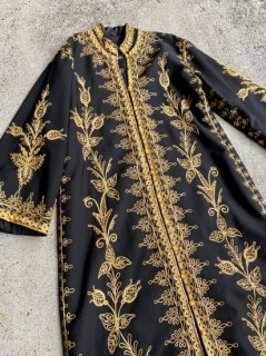 【BLACK×GOLD EMBROIDERY GOWN】