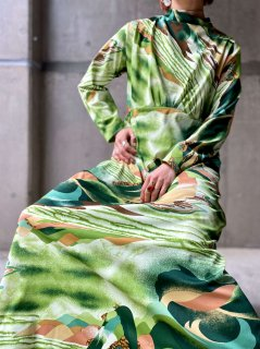 【1970s LANDSCAPE PATTERN GREEN MAXI DRESS】