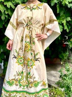 【1970s BATIK KAFTAN DRESS】