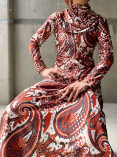 <img class='new_mark_img1' src='https://img.shop-pro.jp/img/new/icons14.gif' style='border:none;display:inline;margin:0px;padding:0px;width:auto;' />【1970s PAISLEY MAXI DRESS】