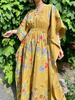 【1970s FLORAL KAFTAN DRESS】
