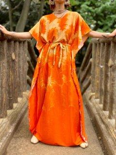 【1970s FEATHER PATTERN KAFTAN DRESS】