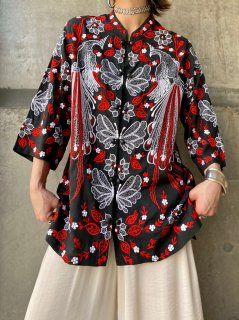 【1970s BIRD AND BUTTERFLY EMBROIDERY BLOUSE】