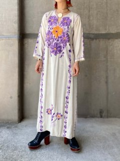 【1970s FLOWERS EMBROIDERY MAXI DRESS WHITE】