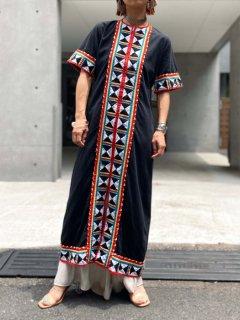 【1960s ETHNIC BLACK DRESS】