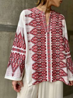 【1970s EMBROIDERED BLOUSE FROM GREECE】