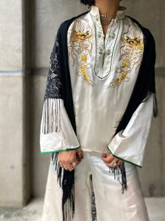 【1950s DRAGON EMBROIDERED SILK SET UP WHITE】