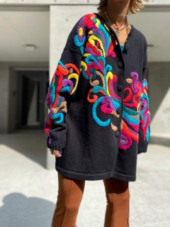 <img class='new_mark_img1' src='https://img.shop-pro.jp/img/new/icons14.gif' style='border:none;display:inline;margin:0px;padding:0px;width:auto;' />【COLORFUL EMBROIDERED KNIT JACKET】