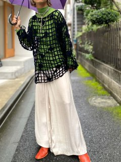 <img class='new_mark_img1' src='https://img.shop-pro.jp/img/new/icons14.gif' style='border:none;display:inline;margin:0px;padding:0px;width:auto;' />【LOW GAUGE BLACK KNIT TOP】