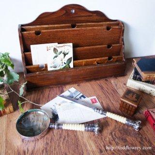 シルバーグレインをもつ精霊のレターラック/Vintage Oak Letter Rack