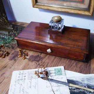 ミッドヴィクトリアンのミニマムなレターツール / Antique Mid Victorian Mahogany Desktop Drawer with Inkwell