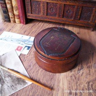 自由フランスの心を知識の鍵で護る街/ Antique Wooden Round Box