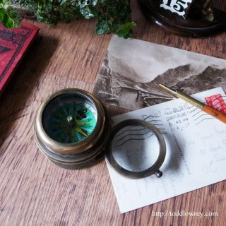 Vintage Brass Conpas with Magnifying Glass