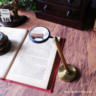 英国紳士をサポートしてきた硝子の眼 / Antique  Balljoint Adjustable Bullseye Lens Table Magnifying Glass