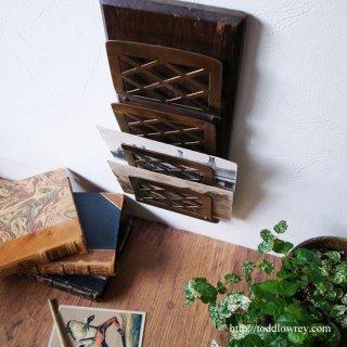 機能美を彩る老舗の落ち着きと斬新な意匠 / Antique Letter Rack by William Tonks & Son