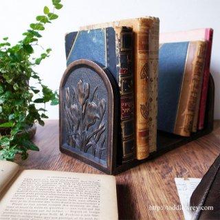 本をつつむ青春の悦び /Antique Holding Bookstand with Crocus Caving