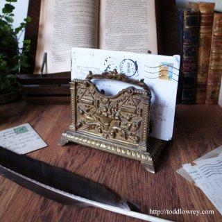 レディ・ジャスティスが治める机上の神殿 /Antique Victorian Brass Letter Rack